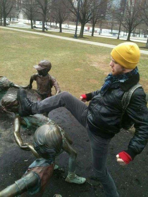 fotos-graciosas-con-estatuas14