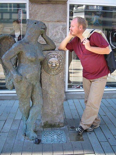 fotos-graciosas-con-estatuas15