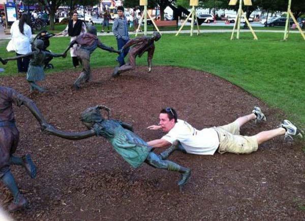 fotos-graciosas-con-estatuas16