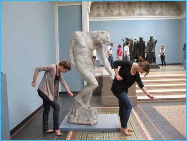 fotos-graciosas-con-estatuas18