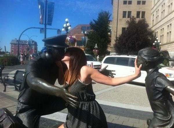 fotos-graciosas-con-estatuas29