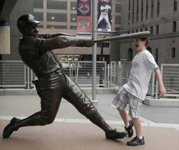 fotos-graciosas-con-estatuas4