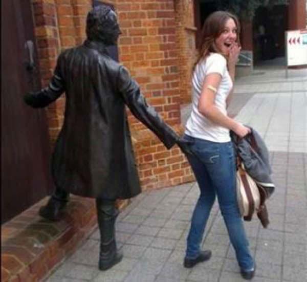 fotos-graciosas-con-estatuas8