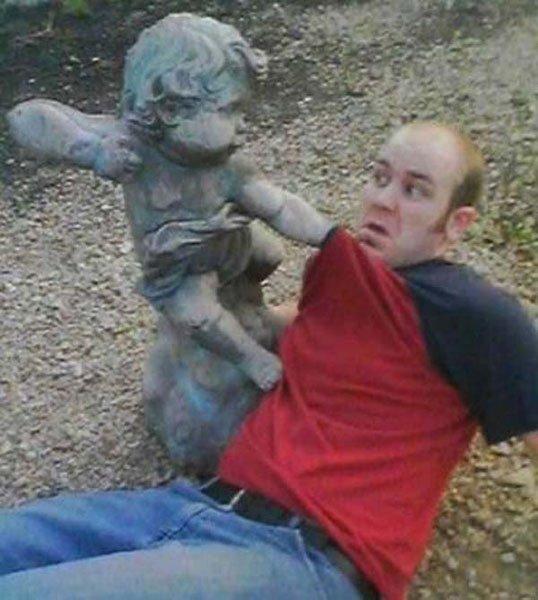 fotos-graciosas-con-estatuas9