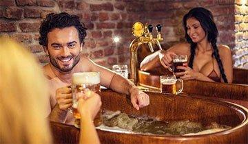¿Te gusta tanto la cerveza que te bañarías con ella? Ya puedes cumplir tu deseo