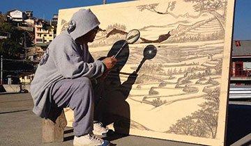 Artista utiliza la energía del sol como pincel para sus obras. Increíble
