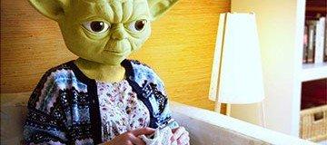 10 Famosos personajes de Disney descubiertos en sus actividades diarias