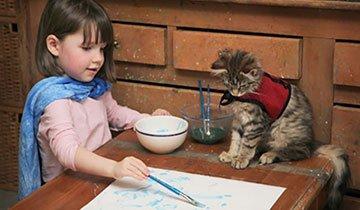 Esta niña autista crea hermosas obras de arte. ¡Precioso!