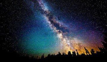 25 Fotografías de cielos nocturnos tan espectaculares que creerás estar soñando.