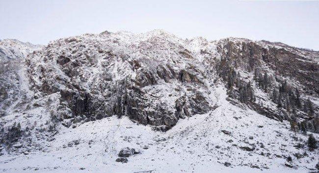 roca-casa-alpes9