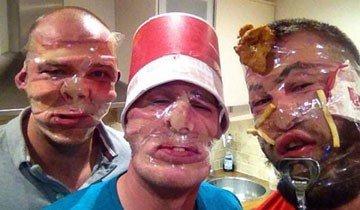 Estas son las fotografías más insólitas y sorprendentes de los Sellotape Selfies.