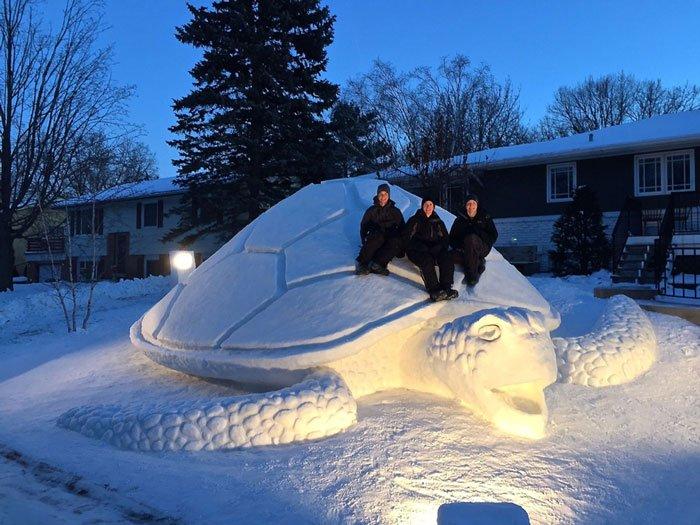 escultura-nieve-jardin-bartz1