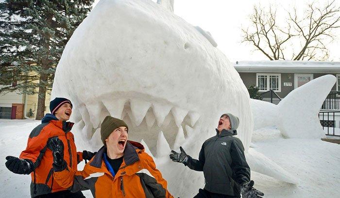 escultura-nieve-jardin-bartz3