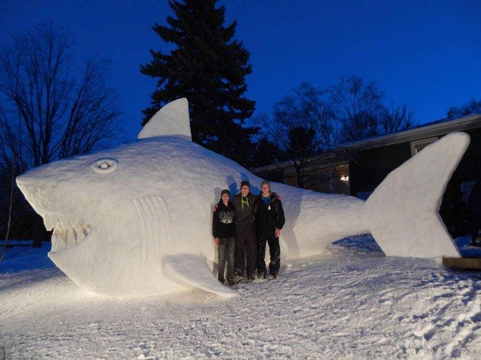 escultura-nieve-jardin-bartz5