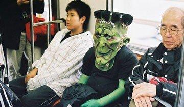 Así es la gente más rara que te puedes encontrar una mañana cualquiera en el metro.