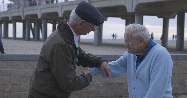 reunion-soldado-prisionero-holocausto4