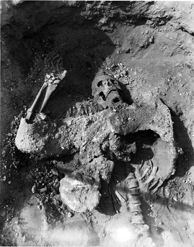 hallazgos-arqueologicos-horripilantes10