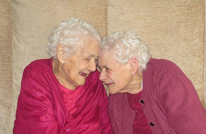 hermanas-gemelas-mas-mayores1