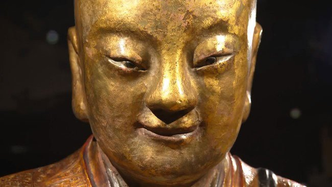 momia-dentro-estatua-budista2