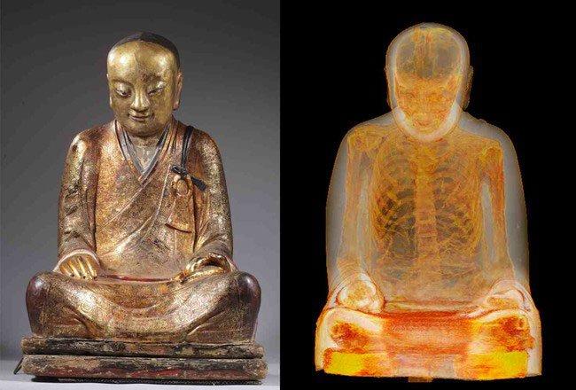 momia-dentro-estatua-budista7