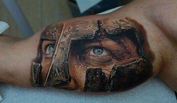 Este tatuador acaba de subir el listón de los tatuajes realistas. Impresionante.