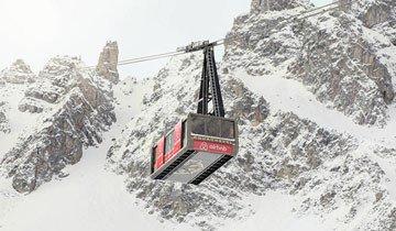 Un teleférico que se convierte en Hotel de lujo. Habitación a 2700 metros de altura.