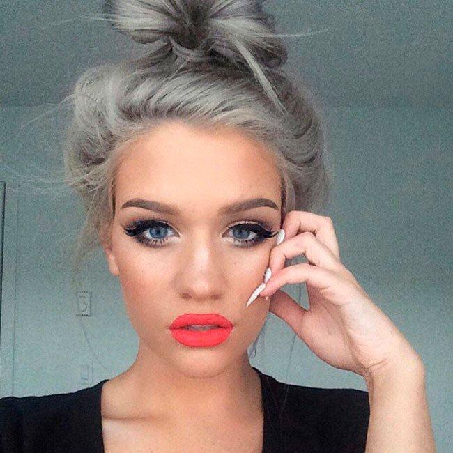 pelo-gris-mujer-tendencia-1