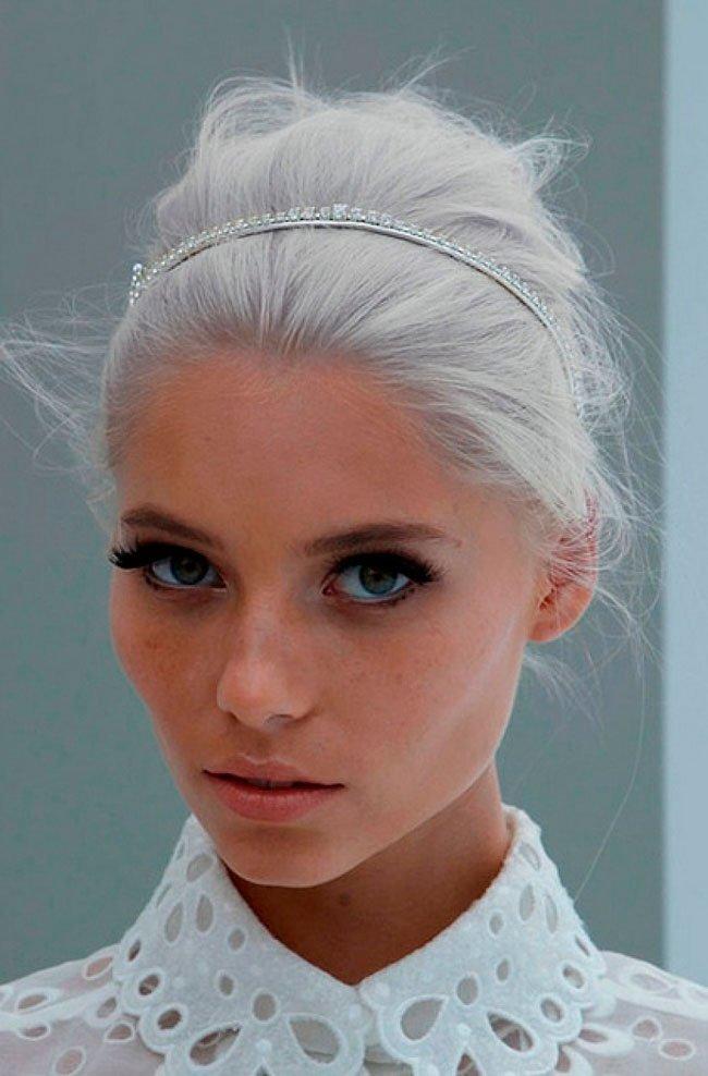 pelo-gris-mujer-tendencia-12