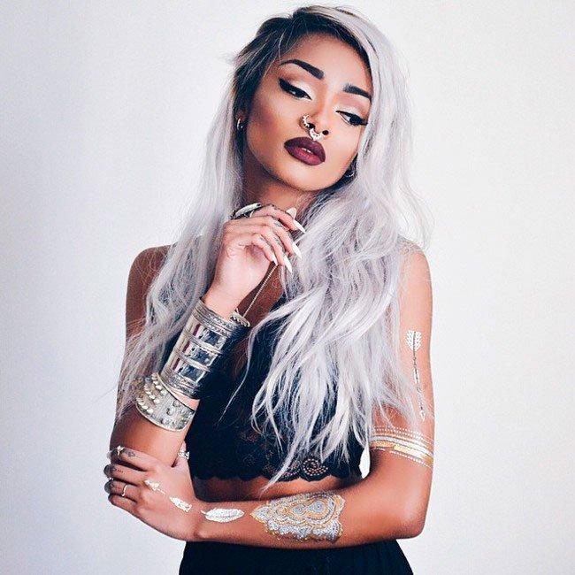 pelo-gris-mujer-tendencia-6