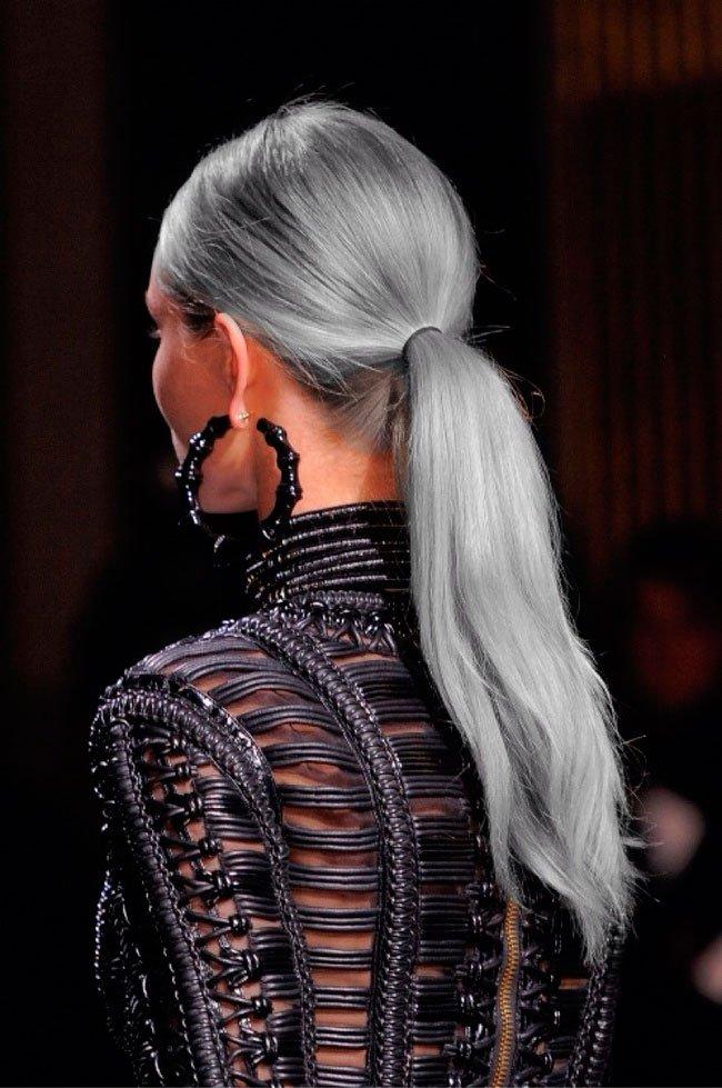 pelo-gris-mujer-tendencia-7
