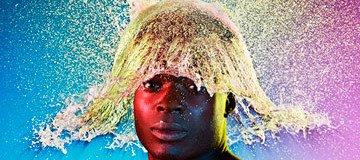 Nunca imaginarías cómo este fotógrafo crea estas místicas pelucas.