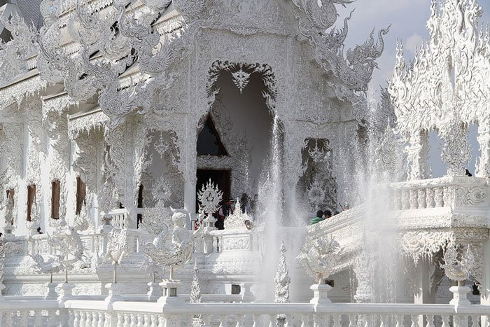 templo-blanco-tailandia9