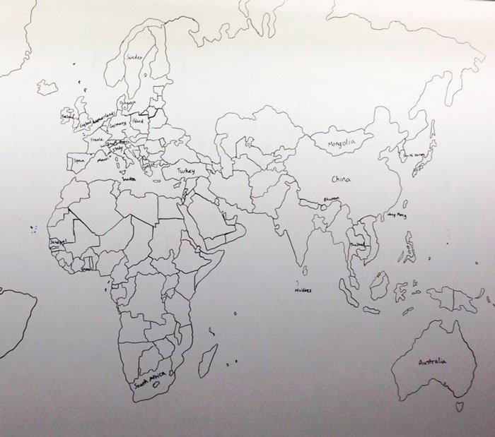 chico-autista-dibuja-mapamundi-3