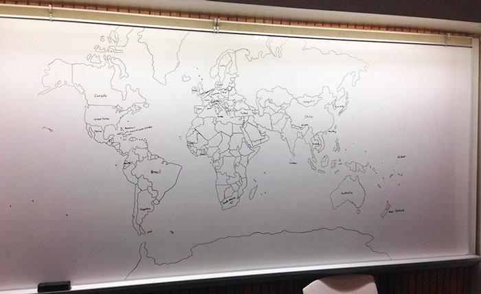chico-autista-dibuja-mapamundi-4