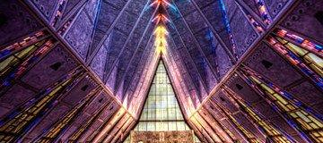 La belleza que encontrarás en estos 28 lugares de culto te dejará boquiabierto durante días.