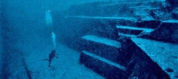 12 Cosas raras que no esperarías encontrarte bajo las aguas.