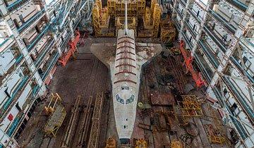 Un fotógrafo curioso se encuentra con los restos de las lanzaderas del programa espacial soviético.