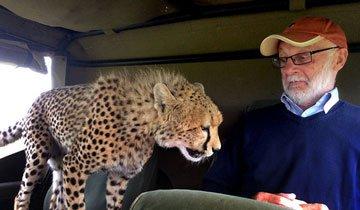 Durante un Safari querían acercarse más a los animales. Aunque… quizá demasiado.