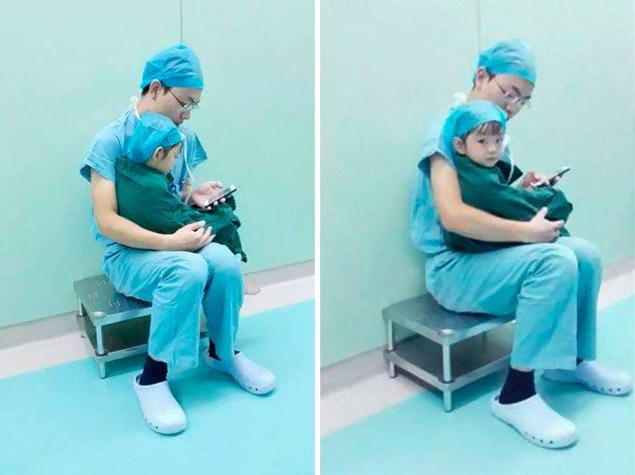 cirujano-calma-nina-antes-operar-3