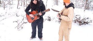 Estaban cantando una canción en un bosque nevado, cuando algo mágico ocurrió.