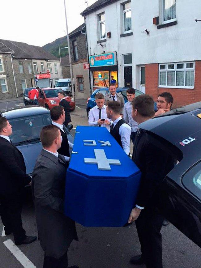 funeral-amigo-novia-2