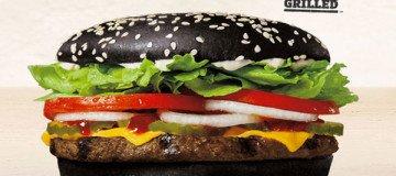 La Halloween Whopper de Burger King, está causando un extraño efecto secundario a la gente.