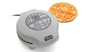 Desayuna Estrellas de la muerte cada mañana, con esta gofrera de Star Wars.